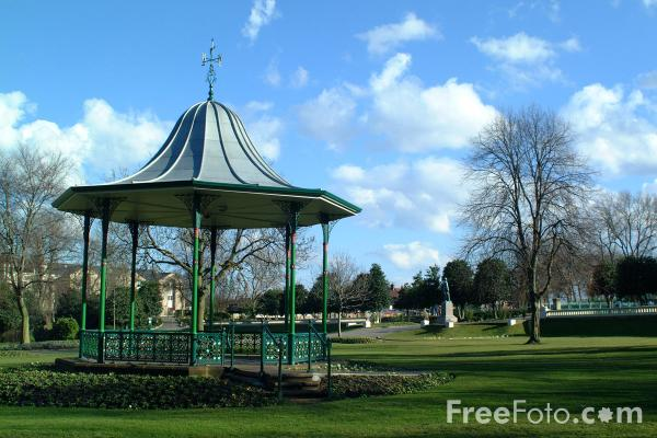Picture of Bandstand, Mowbray Park, Sunderland - Free Pictures - FreeFoto.com