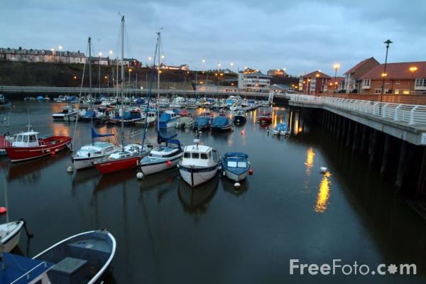 Picture of Sunderland Marina - Free Pictures - FreeFoto.com
