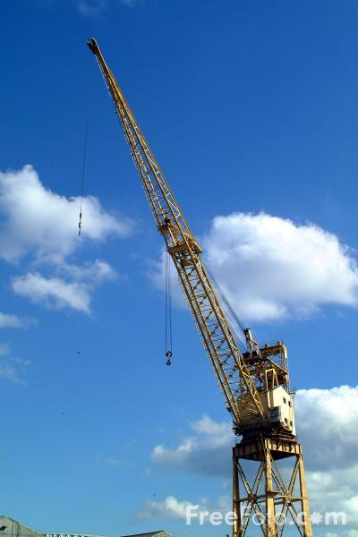 Picture of Crane, River Wear, Sunderland - Free Pictures - FreeFoto.com