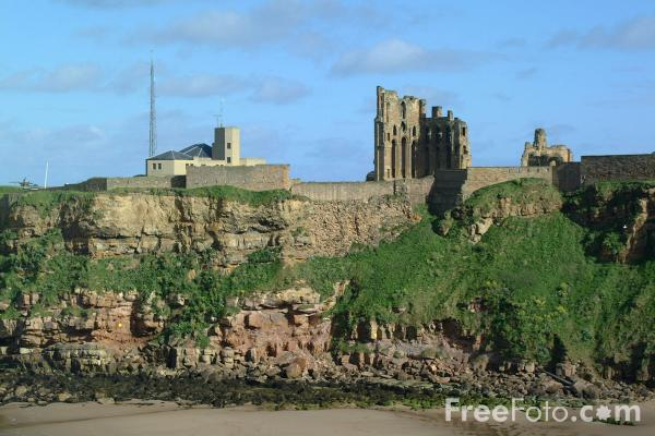Picture of The Priory Church of the Blessed virgin and St Oswin, Tynemouth Priory, Tynemouth, - Free Pictures - FreeFoto.com