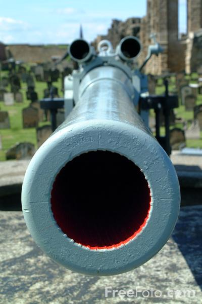 Picture of One of the Tynemouth gun batteries which protected the entrance to the River Tyne - Free Pictures - FreeFoto.com