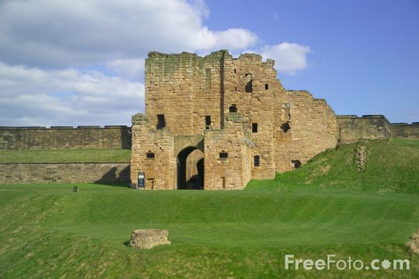 Picture of Tynemouth Priory - Free Pictures - FreeFoto.com