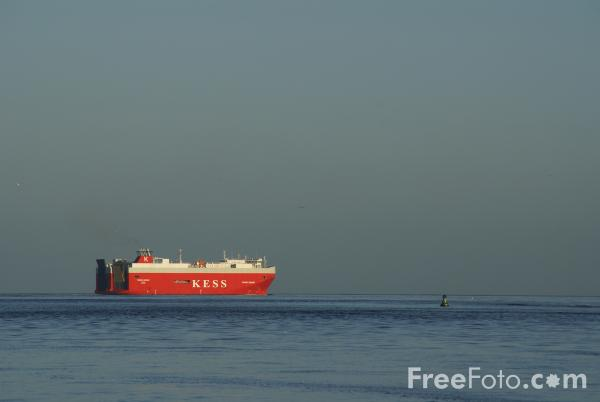 Picture of KESS car carrier Thames Highway, River Tyne, Tynemouth - Free Pictures - FreeFoto.com