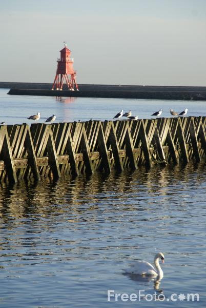 Picture of River Tyne, Tynemouth - Free Pictures - FreeFoto.com