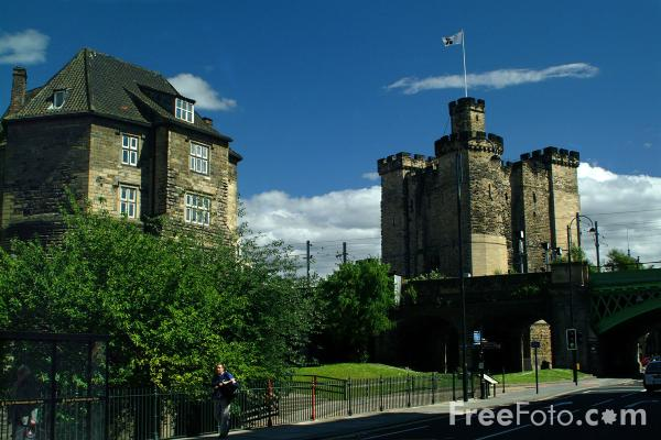 Picture of The Blackgate and The Castle Keep, Newcastle upon Tyne - Free Pictures - FreeFoto.com