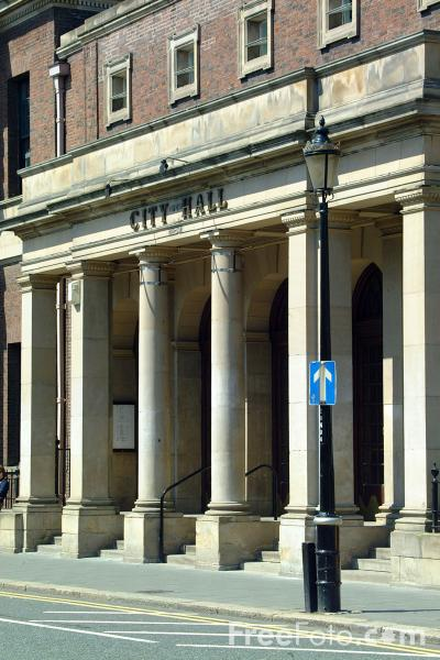 Picture of City Hall, Newcastle upon Tyne - Free Pictures - FreeFoto.com