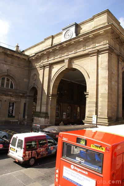 Picture of The portico, Central Station, Newcastle upon Tyne - Free Pictures - FreeFoto.com