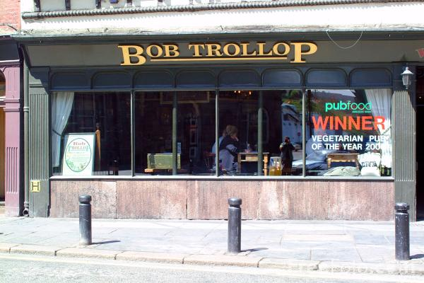 Picture of Bob Trollop, Newcastle Quayside - Vegetarian pub of the year 2000. - Free Pictures - FreeFoto.com
