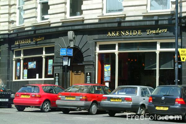 Picture of Akenside Traders - Busy bar at the bottom of the side, Newcastle upon Tyne - Free Pictures - FreeFoto.com