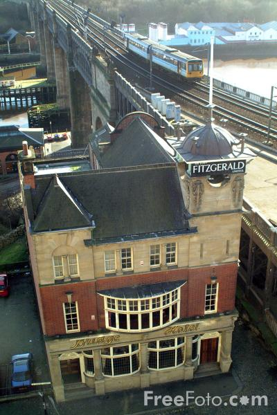 Picture of Bridge Hotel, Castle Garth, Newcastle upon Tyne - Listed in the Camra Good beer guide - Free Pictures - FreeFoto.com