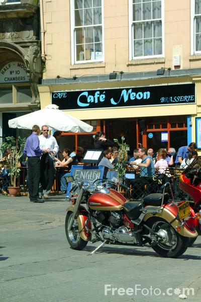 Picture of Cafe Neon, Bigg Market, Newcastle upon Tyne - Free Pictures - FreeFoto.com