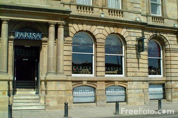 Picture of Parisà Café Bar, Exchange Buildings, Quayside, Newcastle upon Tyne - Free Pictures - FreeFoto.com