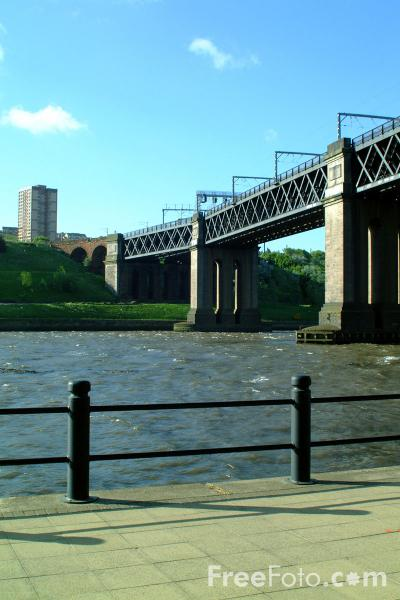 Picture of King Edward VII bridge, Newcastle upon Tyne - Free Pictures - FreeFoto.com