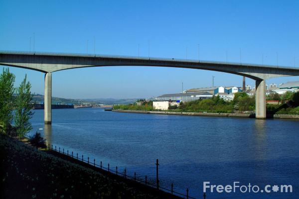 Picture of The Redheugh Bridge, Newcastle upon Tyne - Free Pictures - FreeFoto.com