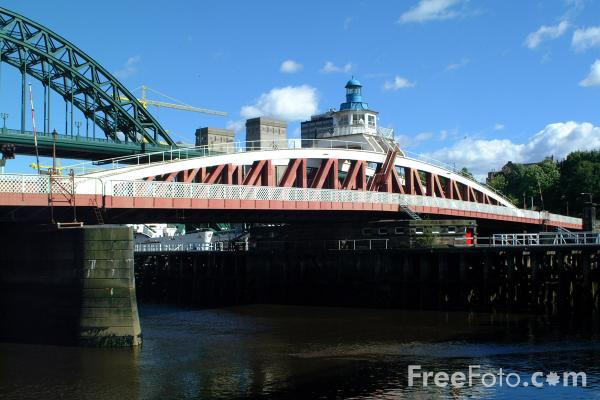 Picture of The Swing Bridge, Newcastle upon Tyne - Free Pictures - FreeFoto.com