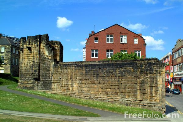 Picture of City Walls, Newcastle upon Tyne - Free Pictures - FreeFoto.com