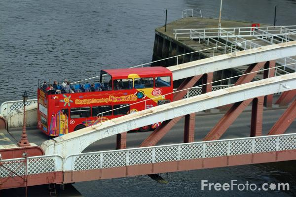Picture of City Sightseeing Newcastle - Free Pictures - FreeFoto.com
