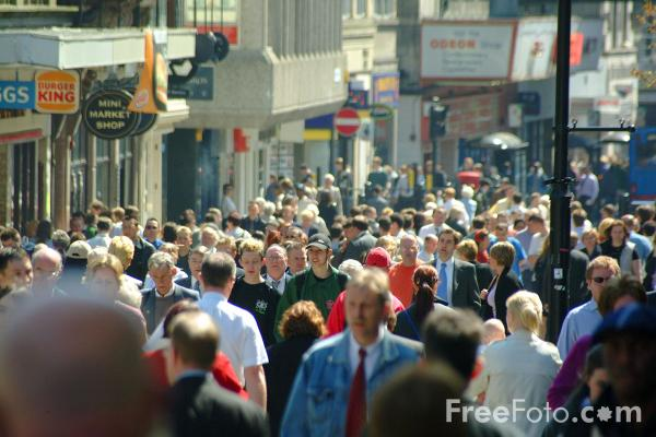 Picture of Shoppers, Northumberland Street, Newcastle upon Tyne - Free Pictures - FreeFoto.com