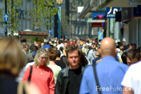 Picture of Shopping, Northumberland Street, Newcastle upon Tyne - Free Pictures - FreeFoto.com