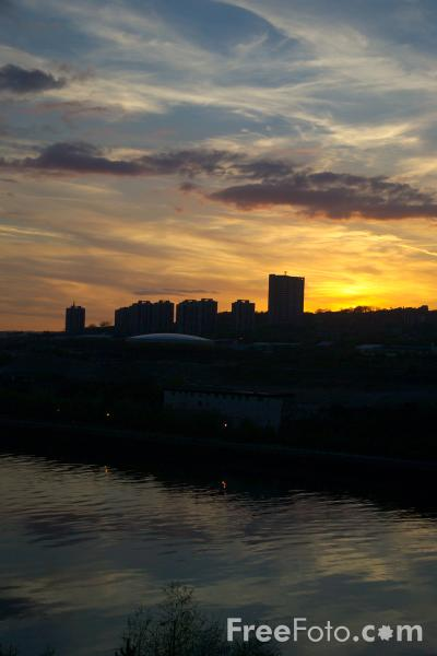 Picture of Sunset, River Tyne, Newcastle upon Tyne - Free Pictures - FreeFoto.com