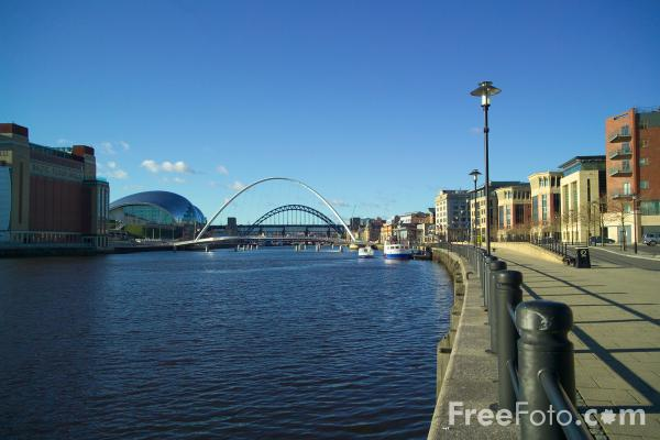 Picture of Newcastle Quayside - Free Pictures - FreeFoto.com