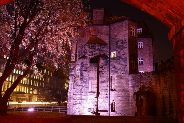 Picture of Blackgate during Glow - a festival of light. - Free Pictures - FreeFoto.com