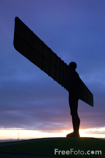 Picture of Angel of the North - Free Pictures - FreeFoto.com