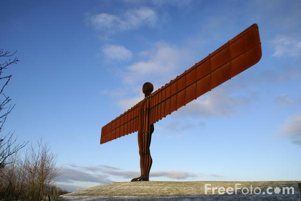 Picture of Angel of the North in Winter - Free Pictures - FreeFoto.com