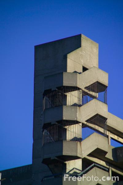 Picture of Multi-storey car park, Gateshead - Free Pictures - FreeFoto.com