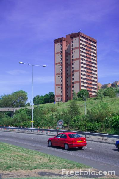Picture of High-rise flats, Gateshead, Tyne and Wear - Free Pictures - FreeFoto.com