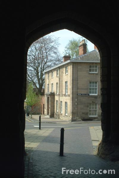 Picture of West Gate, Warwick - Free Pictures - FreeFoto.com