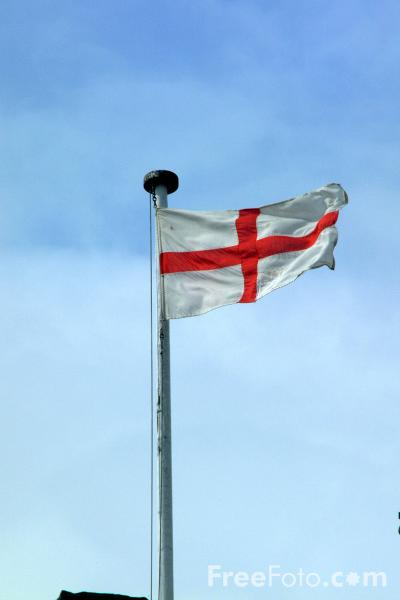 Picture of English Flag, Warwick - Free Pictures - FreeFoto.com