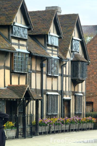 Picture of Shakespeare's Birthplace, Stratford upon Avon - Free Pictures - FreeFoto.com