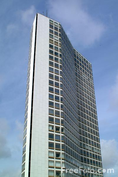Picture of The second tallest building in Birmingham - Alpha Tower - Height 99.90m - Floors 28 - Free Pictures - FreeFoto.com