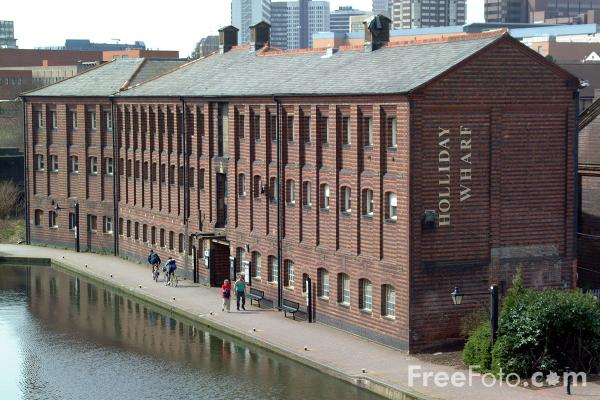 Picture of Holliday Wharf, The Birmingham Canal Navigations - Free Pictures - FreeFoto.com