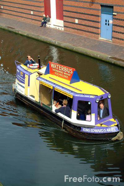 Picture of Water Bus, The Birmingham Canal Navigations - Free Pictures - FreeFoto.com
