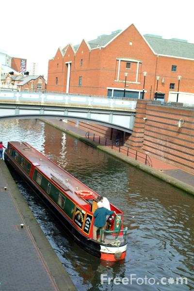Picture of Canal Boat, The Birmingham Canal Navigations - Free Pictures - FreeFoto.com