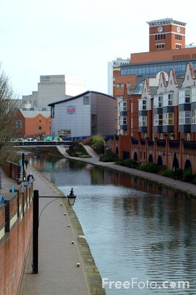 Picture of The Birmingham Canal Navigations - Free Pictures - FreeFoto.com