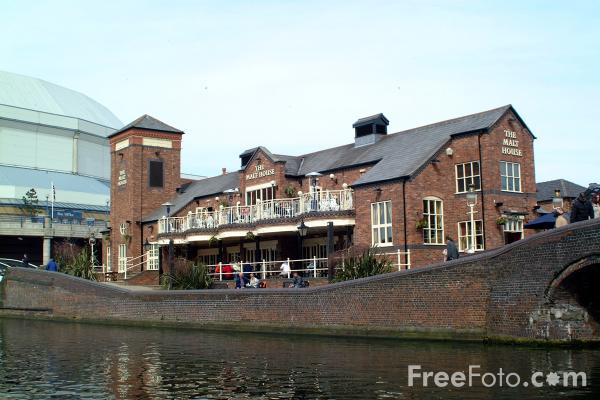 Picture of The Malt House, The Birmingham Canal Navigations - Free Pictures - FreeFoto.com