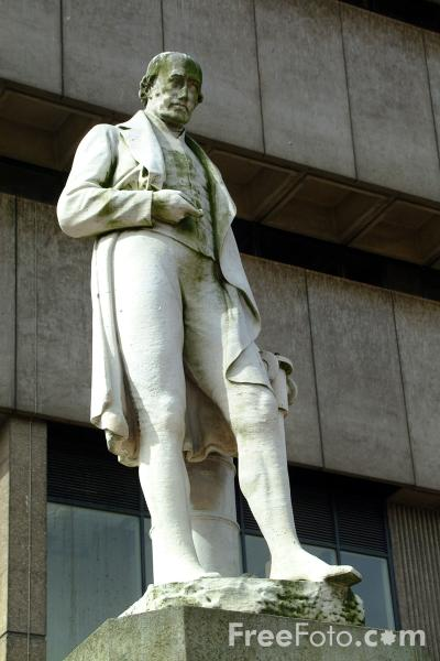Picture of James Watt Sculpture, Birmingham - Free Pictures - FreeFoto.com