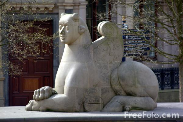 Picture of The Guardians - A Sphinx-like animal made from Darley Dale stone. - Free Pictures - FreeFoto.com