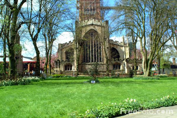 Picture of Holy Trinity Church, Coventry - Free Pictures - FreeFoto.com