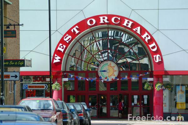 Picture of West Orchards Shopping Centre, Coventry - Free Pictures - FreeFoto.com