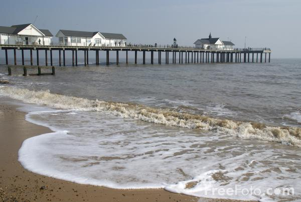 Picture of Southwold Pier, Suffolk, England - Free Pictures - FreeFoto.com
