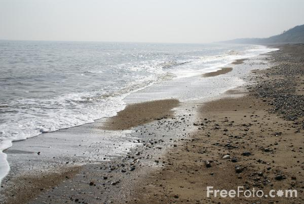 Picture of Dunwich Beach. Suffolk, England - Free Pictures - FreeFoto.com