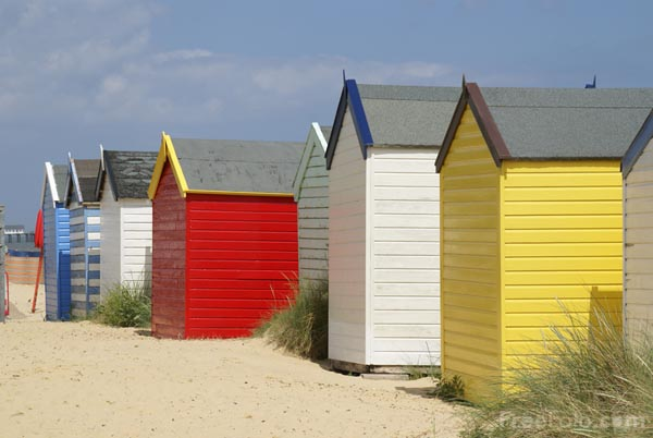 Picture of Beach Huts, Southwold, Suffolk, England - Free Pictures - FreeFoto.com