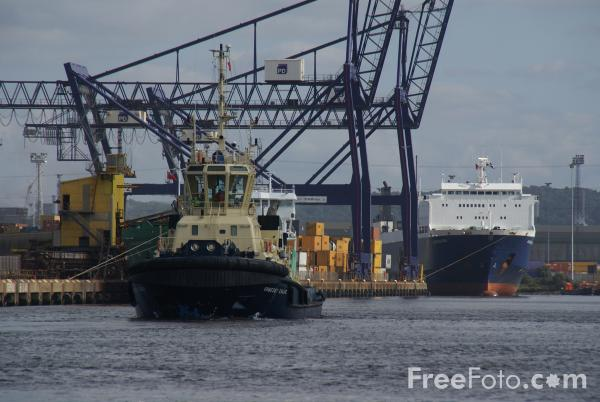 Picture of Port of Teesport - Free Pictures - FreeFoto.com