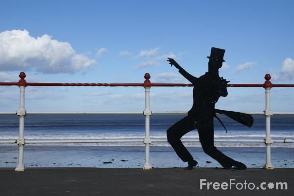 Picture of Fred Astaire Silhouette, Redcar - Free Pictures - FreeFoto.com