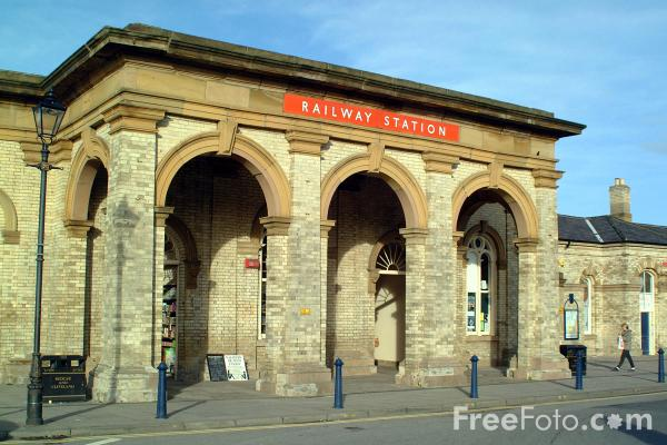Picture of Saltburn By The Sea Railway Station - Free Pictures - FreeFoto.com
