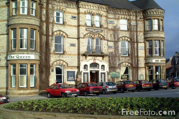 Picture of The Queen Hotel, Saltburn By The Sea - Free Pictures - FreeFoto.com